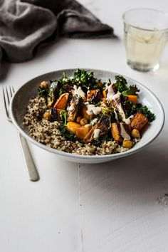 Farm Girl Veggie Bowls from the Dishing up the Dirt Cookbook! (Dishing Up the Dirt) Clean Eating, Healthy Eating, Vegetarian Entrees, Food Reviews, Vegan Recipes, Veggies, Lunch, Stuffed Peppers, Meals