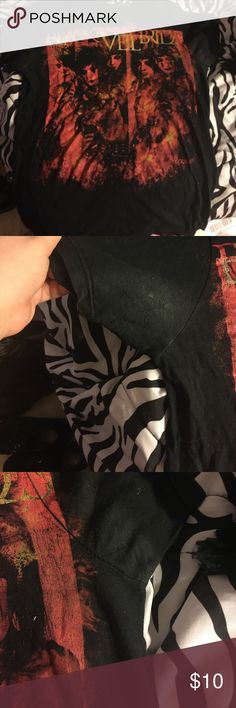 Black veil brides tshirt Very old black veil brides t shirt. Is pretty worn in and does has a little bit of deodorant stains. Hot Topic Shirts Tees - Short Sleeve
