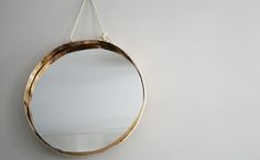 DIY suspended mirror, by Carine Davida / Silence on Decore