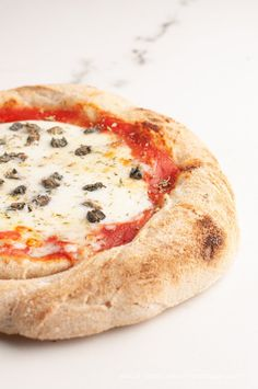 Margarita Pizza, Polish Recipes, Pain, Camembert Cheese, Hamburger, Bakery, Cooking Recipes, Bread, Dishes