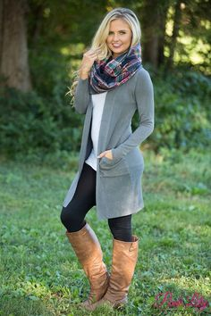 summer outfits Grey Cardigan + White Top + Black Leggings Visit our website now! Cozy Winter Outfits, Fall Outfits, Casual Outfits, Summer Outfits, Cute Outfits, Fashion Outfits, Womens Fashion, Outfit Winter, Woman Outfits