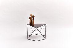 6X120° – Zwart #design #wiretable #sidetable #table #dutchdesign #steel #steeltable #hexagon #angle #symmetry #black
