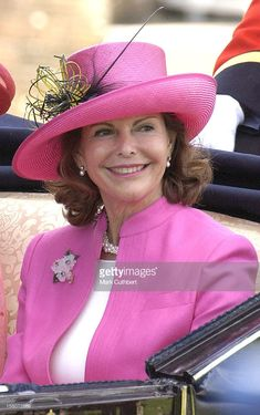 The Queen Of Sweden Attends The First Day Of Royal Ascot. (Photo by Mark Cuthbert/UK Press via Getty Images) Casa Real, Pink Love, Pretty In Pink, Queen Of Sweden, British Family, Swedish Royalty, Prince Carl Philip, Queen Silvia, Royal Queen