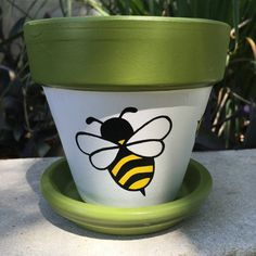 Bumble Bee Hand Painted Flower Pot by FlourishAndPots on Etsy - Cactus DIY Flower Pot Art, Flower Pot Design, Clay Flower Pots, Flower Pot Crafts, Cactus Flower, Diy Flower, Flower Ideas, Flower Pot People, Clay Pot People