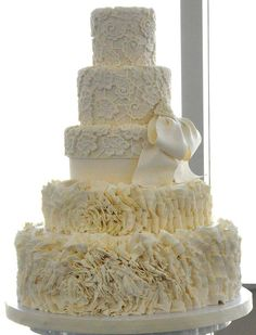 Ruffles+and+lace+wedding+cakes | Cream Ruffles  Lace Wedding Cake Picture