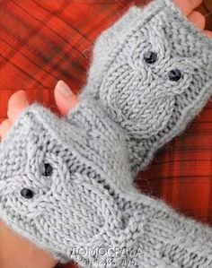 Crochet y dos agujas: Aprende Fingerless Gloves Knitted, Crochet Gloves, Knit Mittens, Knitting Socks, Baby Knitting Patterns, Knitting Stitches, Crochet Patterns, Knitting Projects, Crochet Projects