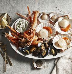 #globus #savoirvivre #deli #delicatessa #food #fish #oyster #crayfish Shops, Saint Jacques, Deli, Oysters, Food Styling, Stuffed Mushrooms, Good Food, Fish, Vegetables