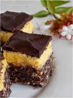"""...végre! :D Már olyan sokszor """"jött velem szembe"""" ez a sütemény; és mindannyiszor elhatároztam, hogy """"Na most! Most megcsinálom... Looks Yummy, Sweet Cakes, Cakes And More, Naan, Cake Cookies, Creme, Cheesecake, Dessert Recipes, Food And Drink"""