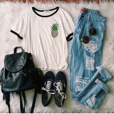 Take a look at 15 hipster teen outfits to wear this summer in the photos below and get ideas for your own outfits! Outfits More Image source Teen Fashion Outfits, Outfits For Teens, Casual Outfits, Casual Shirt, Hipster School Outfits, Teen Fashion Tumblr, Casual Wear, Men Casual, Tumblr Outfits