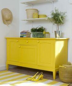 Comoda en amarillo limon