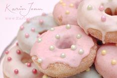 Ik vond ze gisteren bij de Albert Heijn: mini suikerdonuts. Klein, lekker en vers van de bakkerij. En toevallig waren ze ook nog in de a...