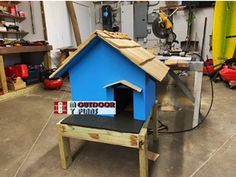 Outdoor Cat House Diy, Insulated Cat House, Cat House Plans, Cedar Shingles, Wooden Playhouse, Diy Shed, Outdoor Projects, Play Houses, Woodworking Plans