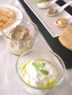 Hummus, Mutabal o Baba Ghanoush y Tzatsiki con pan de Pitta