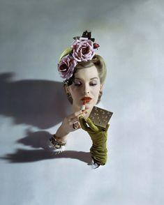 John Rawlings, American Vogue, Marzo 1943 © 1943 Condé Nast 10 grandi fotografie di moda - Il Post