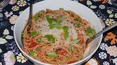 makaron-w-sosie-pomidorowym
