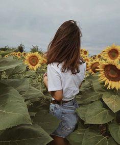 New flowers photography sunflowers sunflower fields ideas Hipster Photography, Photography Women, Nature Photography, Fashion Photography, Photography Flowers, Photography Tricks, Travel Photography, Digital Photography, Landscape Photography