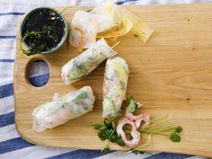 Färska vårrullar med räkor och avokado