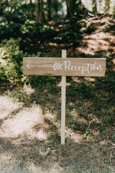 A rustic outdoor wedding made romantic with touches of pink and gold. Click here to be inspired by gorgeous rustic wedding decorations and details! #rusticweddinginspiration #rusticweddingdecorations #outdoorweddingideas #goldweddingdetails #pinkweddings