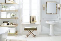 Can a bathroom get any more gorgeous than this?!