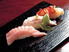 寿司 - Google 検索 Sushi Set, My Sushi, Best Sushi, Sushi Recipes, Dessert Recipes, Japanese Food Sushi, Sashimi Sushi, Food Staples, Love Food