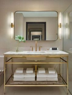 DOMINO:10 Tricks to Steal From Hotel Bathrooms