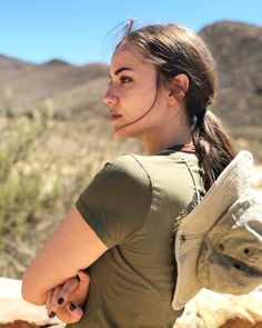 Fahriye Evcen - Vacation in Cape Town, South Africa April Instagram Pose, Big Rig Trucks, Turkish Beauty, Beauty Full Girl, Turkish Actors, Beautiful Celebrities, Celebs, Singer, Poses