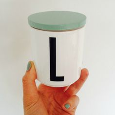 mintgroen deksel design letters Turquoise, Mugs, Tableware, Design, Dinnerware, Tumblers, Dishes, Mug, Design Comics