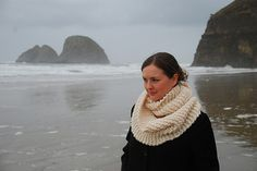 A simple yet sophisticated garter-stitch cowl that knits up quickly with super bulky yarn and large needles.