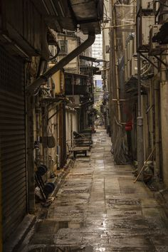 The Walled City Of Kowloon, Hong Kong (now demolished) Kowloon Walled City, Cyberpunk City, Cyberpunk Tattoo, Cyberpunk Anime, Cyberpunk Fashion, Cyberpunk 2077, Urban Photography, Street Photography, Color Photography