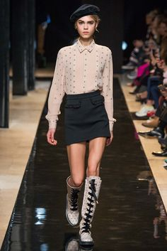Loving this collection -Paul & Joe - Fall 2015 Ready-to-Wear - Look 19 of 40