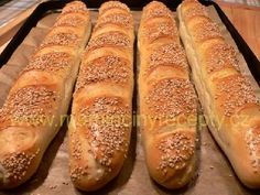 Tatarkové bagetky Bread And Pastries, Dumplings, Hot Dog Buns, Bread Recipes, Baked Goods, Food And Drink, Pizza, Baking, Flutes