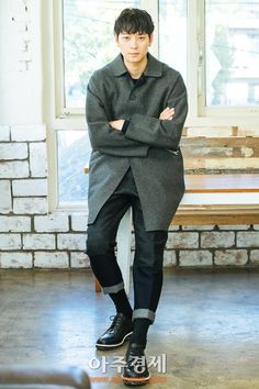 [인터뷰] '검은 사제들' 강동원, 명료한 배우의 삶 - 아주경제
