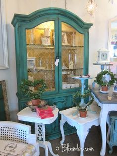 Florence plus antiquing glaze made out of dark wax.
