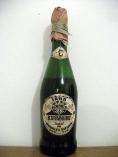 Cerveja KaraMuru Iara Dunkles Weizen, estilo German Dunkelweizen, produzida por Karamuru, Brasil. 6.5% ABV de álcool.
