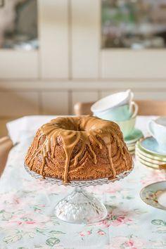 Pretty Bundt Cake with Dulce de Leche
