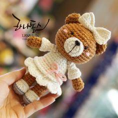 #곰신부 #LANAdolls #handmade #craft #crochetdoll #amigurumi #knittingdoll #knittoy #doll #toy #cute #crochet #라나돌스창작연구소 #라나돌스 #핸드메이드 #손뜨개인형 #코바늘인형 #인형만들기 #아미구루미 #니팅돌 #니트토이 #손뜨개 #뜨개질 #화곡동 #오아시스안경원