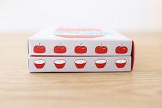 Fruit Packaging, Cool Packaging, Brand Packaging, Packaging Design, Japan Package, Japan Graphic Design, Japanese Packaging, Japanese Design, Graphic Design Inspiration