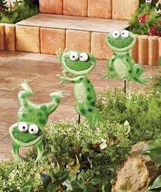 Sets Of 3 Metal Animal Garden Stakes-Frog, Dog or Cat