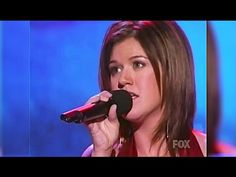 Kelly Clarkson Background Singers sings The Christmas Song on ...