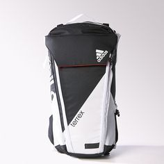 The Adidas Terrex Trail Cross is a hybrid shoe. A cross between hiking and mountain biking functionality, with the aesthetic of pure adrenaline! Backpack Bags, Leather Backpack, Fashion Backpack, Vintage Accessories, Bag Accessories, Mochila Adidas, Adidas Terrex, Men Closet, Tactical Bag