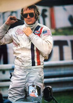 Steve Mcqueen Le Mans, Steve Mcqueen Style, Steeve Mcqueen, 24 Hours Le Mans, Joe Cool, Old Movie Stars, Music Pics, Hollywood, Stylish Mens Outfits