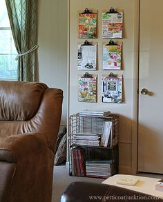 I thought of an easy diy magazine wall display! I have tons of magazines and don't like to throw them out so I created a nice wall display using clipboards. Funky Home Decor, Diy Home Decor, Magazine Wall, Magazine Covers, Wall Behind Bed, Pinterest Decorating, Interactive Walls, Monogram Wall, Wall Molding