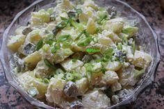 Salata de cartofi cu maioneza vegana Potato Salad, Vegetarian Recipes, Potatoes, Ethnic Recipes, Food, Asparagus, Salads, Potato, Essen