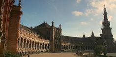 Plaza de España de Sevilla.   Costa Brava & Catalunya Excursions in Barcelona Holidays in Barcelona Sightseeing tours, airport transfers, taxi, interpreter and your personal guide in Bar