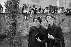 Pontlevoy, Touraine, 1987 #France  © Marc Riboud #women
