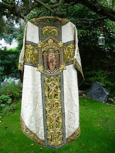 There are some lovely photos on Flickr of a recently restored chasuble at St John's Epping in Essex.  A wonderful vestment blending Gothic and Renaissance motifs, it was designed by Cecil Greenwood Hare, Bodley's chief assistant and made by Watts and Co. There is more information here.