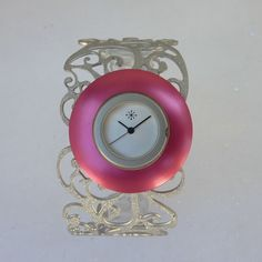 Open bangle - pink lovers #dejavuWatch #DejavuFashion >> http://www.dejavu-fashion.eu/flash-w1005.html