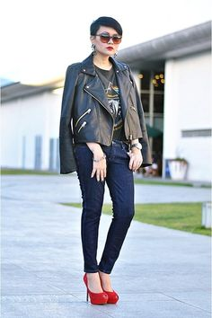black faux leather jacket - navy skinny Wrangler jeans - gray pink floyd t-shirt