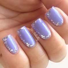 I like this design for an accent nail