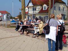 Interssierte Zuschauer beim Aquarellkurs im Hafen von Rerick (c) Frank Koebsch #Ostsee #Rerik #Aquarell #Malreise #Aquarellkurs